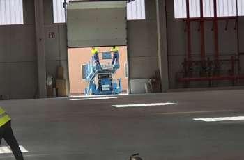 Muelle de carga pavimentado con hormigón fratasado
